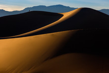 Mesquite Sand Dunes Near Stovepipe Wells, Death Valley National Park, California, USA