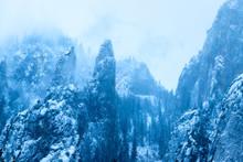 Snowy Peaks, Yosemite National Park, California, USA