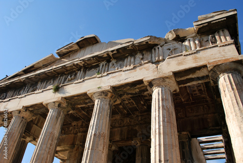 Photo  The Temple of Hephaestus in Athens, Greece