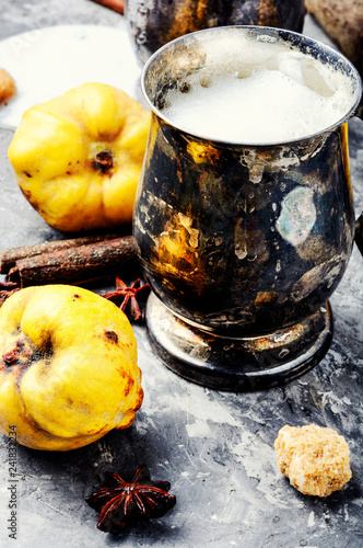 Apples low alcohol drink