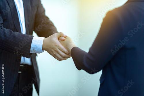 Valokuva  ビジネス会議 契約 合意 商談 成功 握手
