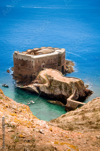 Foto  Beautiful São João Baptista Fort in Berlengas, Portugal