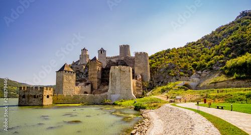 Fotografía Golubac fortress on the danube river in Serbia