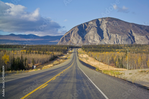 Fotobehang Centraal-Amerika Landen Alaska Highway near Haines Junction, Canada