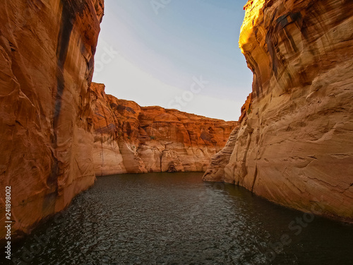 Photo  Beautiful canyon and lonely rocks on the Lake Powell