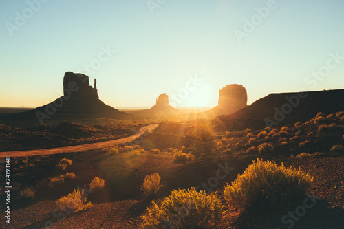 Fotobehang Centraal-Amerika Landen Monument Valley at sunrise, Arizona, USA