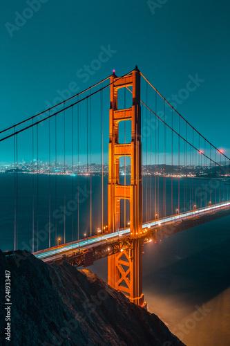 Deurstickers Amerikaanse Plekken Golden Gate Bridge at twilight, San Francisco, California, USA