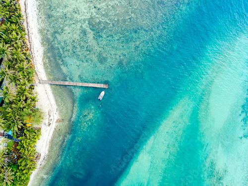 An aerial view of Muri Lagoon on Rarotonga in the Cook Islands Tapéta, Fotótapéta