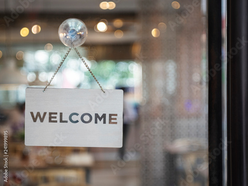 Pinturas sobre lienzo  Welcome sign outside a restaurant, store, office or other