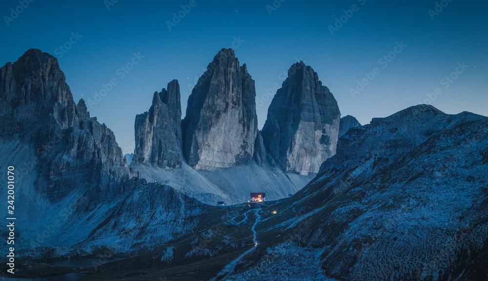 Fototapety, obrazy: Tre Cime di Lavaredo mountain peaks in the Dolomites at night, South Tyrol, Italy