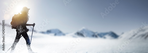 Stickers pour porte Glisse hiver Wandern im Schnee