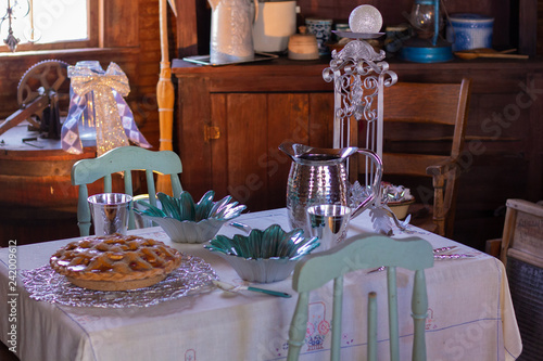 Photo Old-fashioned Christmas table setting