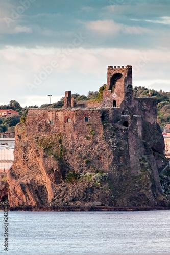 Foto  Castello Svevo di Aci Castello