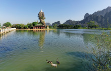Hpa An, Monastère De Kyauk Kalap