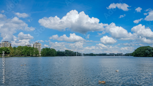 Photo  A beautiful lake (Sloterplas), in the west of Amsterdam, Netherlands