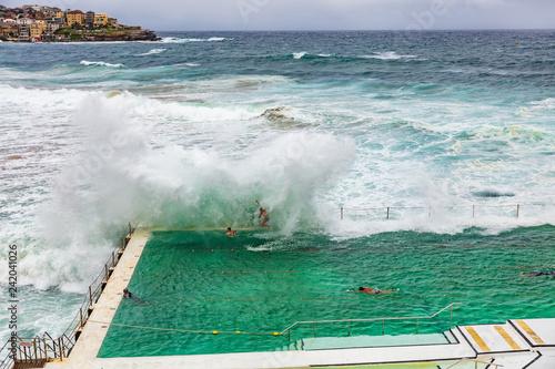 Staande foto Oceanië Bondi beach swimming pool in Sydney, Australia travel. Ocean waves crashing on famous popular tourist attraction on the coast.