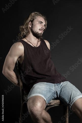Mit haaren langen bart männer und Männer Frisuren