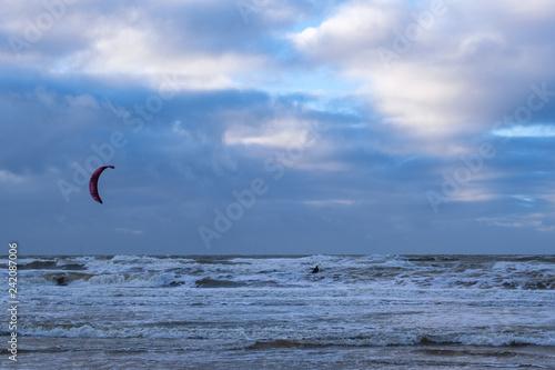 Kitesurfen in der Nordsee bei Egmond/NL