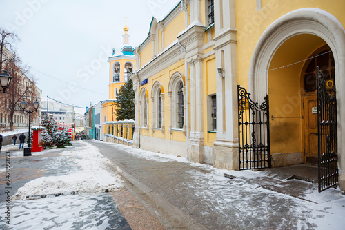 Foto op Aluminium Aziatische Plekken Moscow, Russia, the Church of saints Cosmas and Damian on Christmas holidays. In Stoleshnikov lane the Church kindly opened the gate for its parishioners.