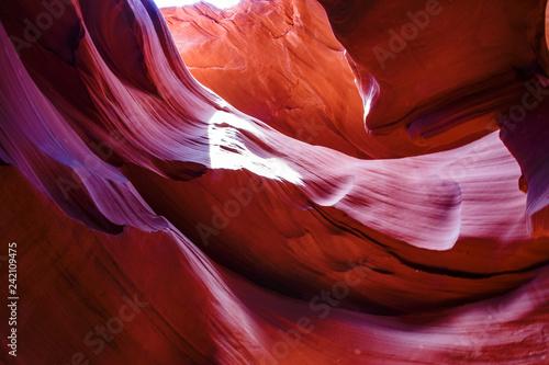 Montage in der Fensternische Violett rot Lower Antelope Canyon, Arizona, USA