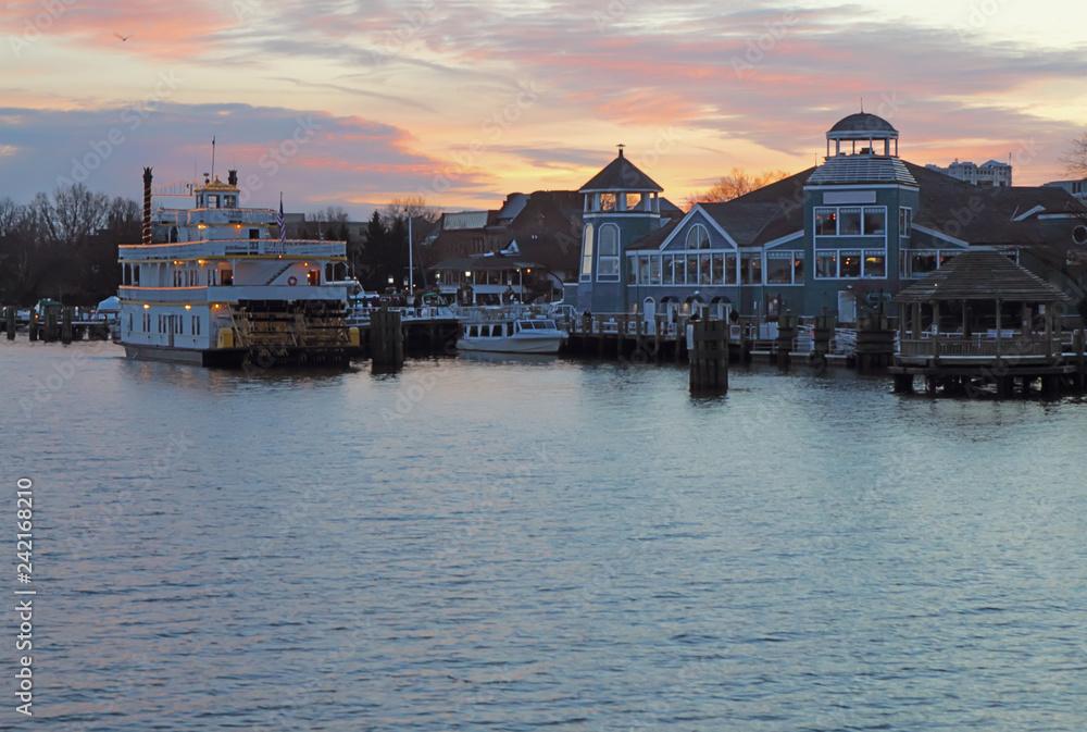 Valokuva  Boats and waterfront of Alexandria, Virginia