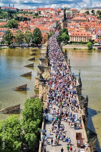In de dag Centraal Europa Prag, Karlsbrücke