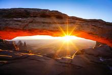 Mesa Arch Utah Sunrise - Canyo...