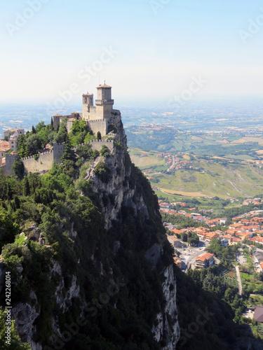 Foto  Guaita Tower on the top of Monte Titano,  Republic of San Marino, Italy
