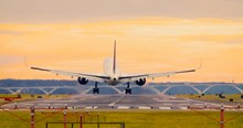 Airplane Landing At Reagan National Airport Washington DC D.C. 60P Version 20190107 Use For Slow Motion