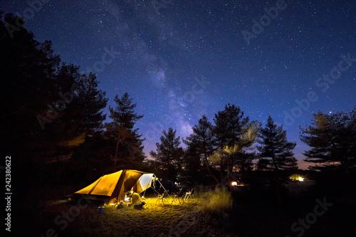 Family tent on camping ground under stars Tapéta, Fotótapéta