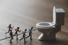 トイレに駆け込むミニチュア