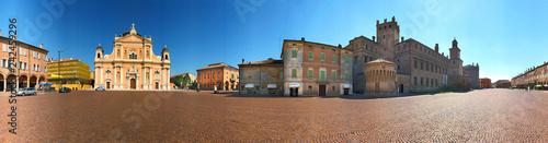 Fotografering Carpi, piazza dei Martiri, castello e duomo a 360°