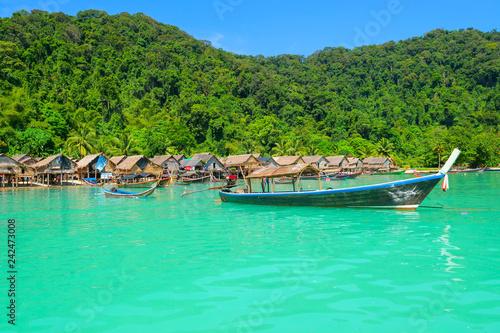 Montage in der Fensternische Reef grun Morgan village, Mu Koh Surin national park, Andaman sea, Phang Nga, Travel in Thailand