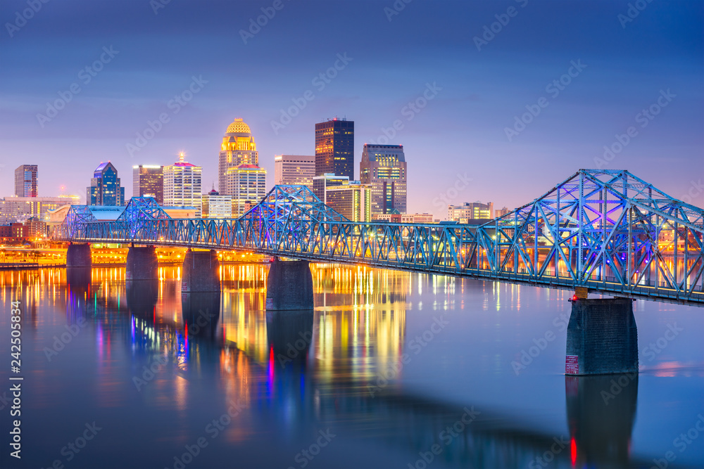 Fototapeta Louisville, Kentucky, USA downtown skyline on the Ohio River at dusk.