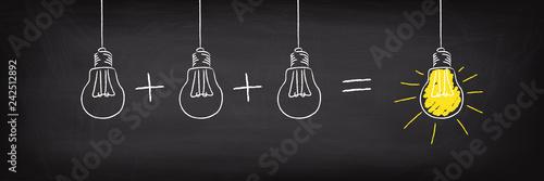 Obraz Teamwork Concept Light Bulb Idea - fototapety do salonu