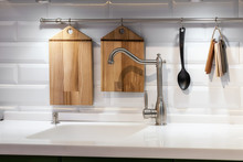 Acrylic Kitchen Sink Built Int...