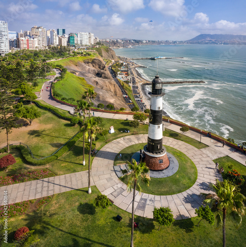 Foto  Lighthouse in Miraflores, Lima, Peru.