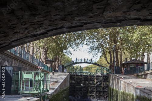 Stickers pour porte Ville sur l eau Canal Saint-Martin
