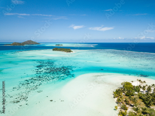 Fotografía Aerial image from a drone of blue lagoon and Otemanu mountain at Bora Bora island, Tahiti, French Polynesia, South Pacific Ocean (Bora Bora Aerial)