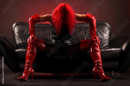 Eine Frau sexy in rot und schwarz Canvas Print