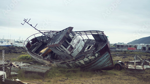 Photo Stands Shipwreck Old rotten ship