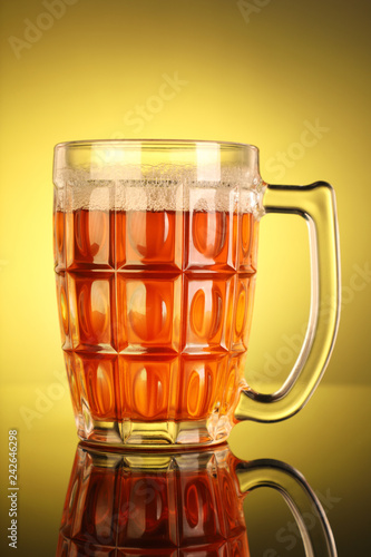 Tuinposter Bier / Cider Beer Mug with Yellow Background