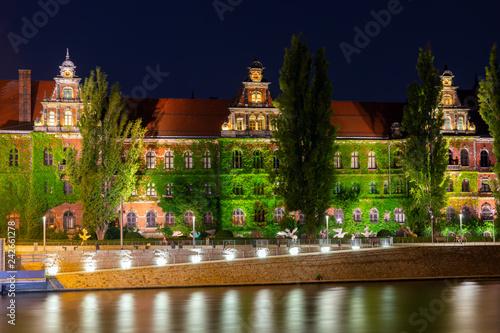 Obraz Wrocław nocą, budynek Muzeum Narodowego we Wrocławiu - fototapety do salonu