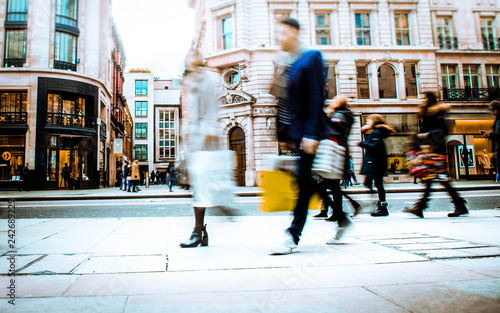 Poster London Motion blurred shopping street