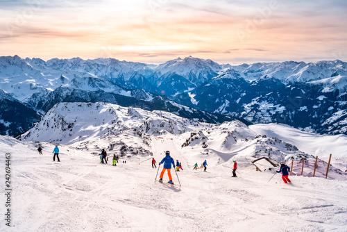Skipiste in den Alpen, Österreich