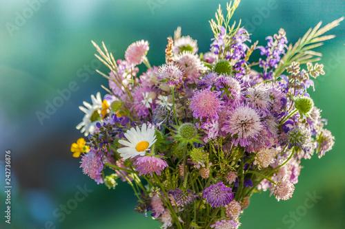 Foto Wiesenblumenstrauß