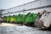 Garbage Trucks In The City, Ga...