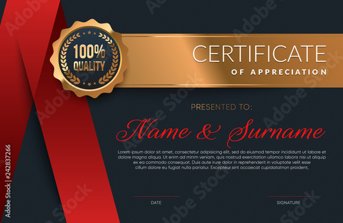 Photo  Premium Certificate of appreciation template. Eps10 vector.