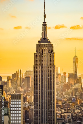 Fototapeta New York City skyline during the sunset from the Top of the Rock (Rockefeller Ce