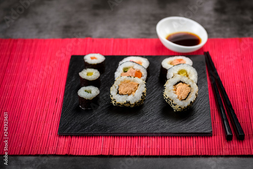 Autocollant pour porte Sushi bar Sushi is a delicious specialty of Japanese cuisine.